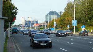 Вождение в Минске потребует от вас полного сосредоточения на дорожных знаках, светофорах, полос дорожной разметки и пешеходах.