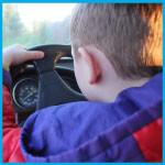 Мальчик за рулем