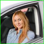Женщина автоинструктор