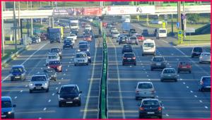 Вождение автомобиля в транспортном потоке на кольцевой в Минске