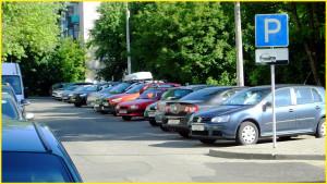 Главным на пути к успешной парковке является опыт. Регулярное вождение автомобиля и тренировки в свободном пространстве с имитацией других транспортных средств позволят любому водителю стать профессионалом.